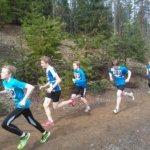 14-vuotiaiden kisan kolmonen Aaro Aho ja Hämeenlinnan Tarmoa edustava Olli-Oskari Suonmaa vauhdissa.