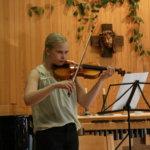 Pianovirtuooseja ja omia sävellyksiä