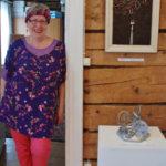 Mirja Yli-Vakkurin taide tarjoaa merkityksiä ja yllätyksiä