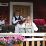 Laitikkalan likkain kansamusiikkiyhtye Keevan soitoissa on jo ammattimainen ote.