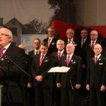 Kangasalan Mieslaulajat olivat mukana saattelemassa pitkäaikaista kunnanjohtajaa eläkepäiville.