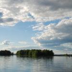Lukijan runo: Onko taivaissa pilvillä hopeareunukset?