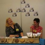 Koti ja koulu -yhdistys esittäytyi vuoden 2009 Pälkäne palvelee ja tuottaa -näyttelyssä.
