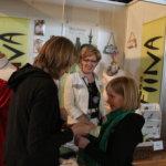 Annikki Westmanin Fiina-osasto kiinnosti kaikenikäisiä tyttöjä ja naisia vuoden 2009 Pälkäne palvelee ja tuottaa -näyttelyssä. Fiina järjesti myös muotinäytöksen.