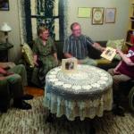 Kuohijoen kyläkirja lahjoitettiin Säästöpankkisäätiölle