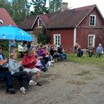 Kuohijoen Kesäfestarien yleisöä. Kuva: Tero Jokinen
