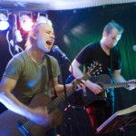 Jarkko Salakari ja Niko Hildén julkaisivat Oskari Salaman ensilevyn Eräjärvellä, josta duon taival sai kolme vuotta sitten alkunsa.