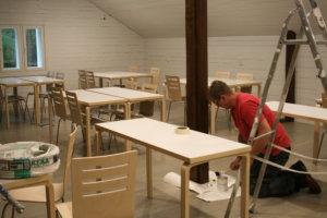Koulun vanhaan kylmään vinttiin on rakentunut koulutustila 50 henkilölle. Viimeistelytyöt olivat vielä syyskuun puolivälissä meneillään.