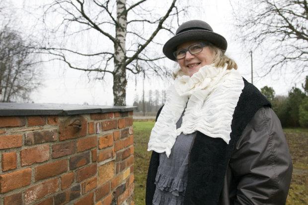 Anitta Toivio lähti katsomaan, missä kunnossa vuosina 2005–2006 valmistuneet Väkevä maa -taidepuiston teokset ovat nyt.