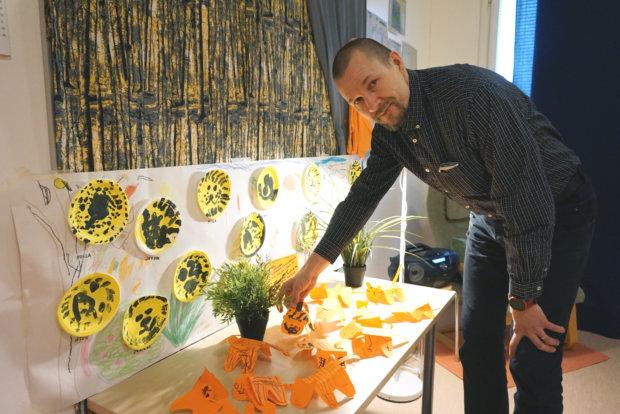 Jari Markkinen siirtyi töihin Pälkäneelle elokuussa. Kangasalla hän työskenteli viimeiset neljä vuotta Sahalahden päiväkodin johtajana. Sitä ennen hän johti Suoraman päiväkodin toimintaa. – Ehdin työskennellä Kangasalla myös Harjunsalon ja Ruutanan päiväkodeissa, Markkinen kertoo.
