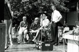 Miss Kirkastus -raatiin kuuluivat Martti Huhtamäki (oikealla), Juice Leskinen ja Armi Aavikko.