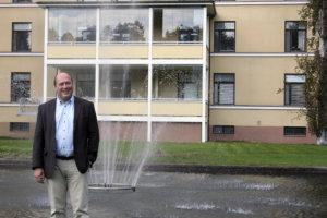 Harri Oesch on yksi Tarastenjärvelle suunniteltavan kiertotalouteen ja ympäristöteknologiaan pohjautuvan yritysaluehankkeen taustatoimijoista.
