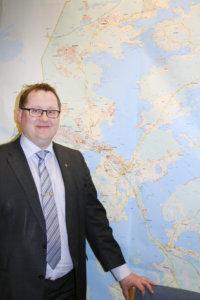 Kangasalan kunnanjohtaja Oskari Auvinen kertoo Tarastenjärven alueen kehittämisen olevan yksi Kangasalan elinkeino-ohjelman päätavoitteista.