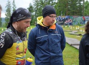 Team Rynkeby Tampereen kapteeni Mikko Penttilä (vasemmalla) ei pitänyt harjoituslenkin olosuhteita minään ongelmana, sillä ennusteet lupasivat vielä pahempaa. Tiimin jäsen Samuli Silvonen paranteli vammojaan, eikä osallistunut harjoitusajoon.