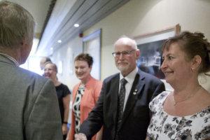 Sanna Laine (oikealla), Tapio Körhämö, Jaana Jokinen ja Outi Helminen-Järvinen toivottivat tervetulleeksi satavuotisjuhlaan.