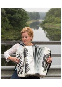Musiikista vastasi padasjokelainen haitaristi Merja Mattila.