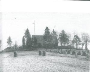 Niin kutsuttu Pajarin kirkko oli Kivennavan 7. ja viimeinen kirkko. Kivennapa kestää -teoksen kuvitusta.