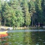 Saunojia saapuu Rajalansaareen. Kuva: Seppo Kääriäinen.