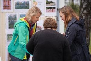 Pia Paakkunainen-Taylor ja Nina Kokkonen esittelivät Kangasalan ympäristö- ja yrittäjyyskoulun kannatusyhdistys Kyyn toimintaa ja kertoi muun muassa koululle suunnitellusta country parkour -radasta.