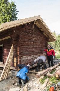 Uusi alahirsi löysi paikalleen Mikko Ahosen, Pasi Prusilan ja Olavi Toivion käsittelyssä.