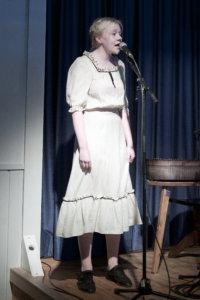 Eveliina Virtanen lauloi Päivi Markon säestyksellä.