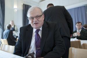 Entinen kunnansihteeri Leo Koppana osallistui kunnan 150-vuotisjuhlaan.