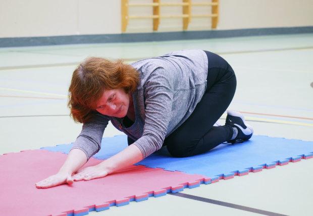 Anne Kärpänniemi testasi kahden kuukauden liikuntastartin päätteeksi, miten kunto ja liikkuvuus ovat kehittyneet.