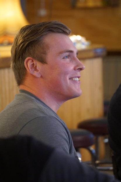 Juho Tähkänen palkittiin kuukauden yrittäjänä perjantaina.