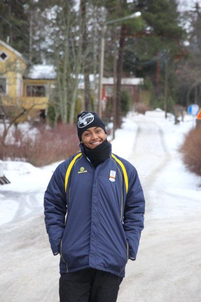 Vielä pari kuukautta sitten Dayana Segovia ei osannut kuvitella viettävänsä joulun kylmässä Suomessa. LP Kangasalan muut ulkomaalaisvahvistukset, serbialaiset Marija Jelic ja Jovana Gogic, ennättävät lyhyellä viiden päivän joulutauolla käväistä kotimaassaan.
