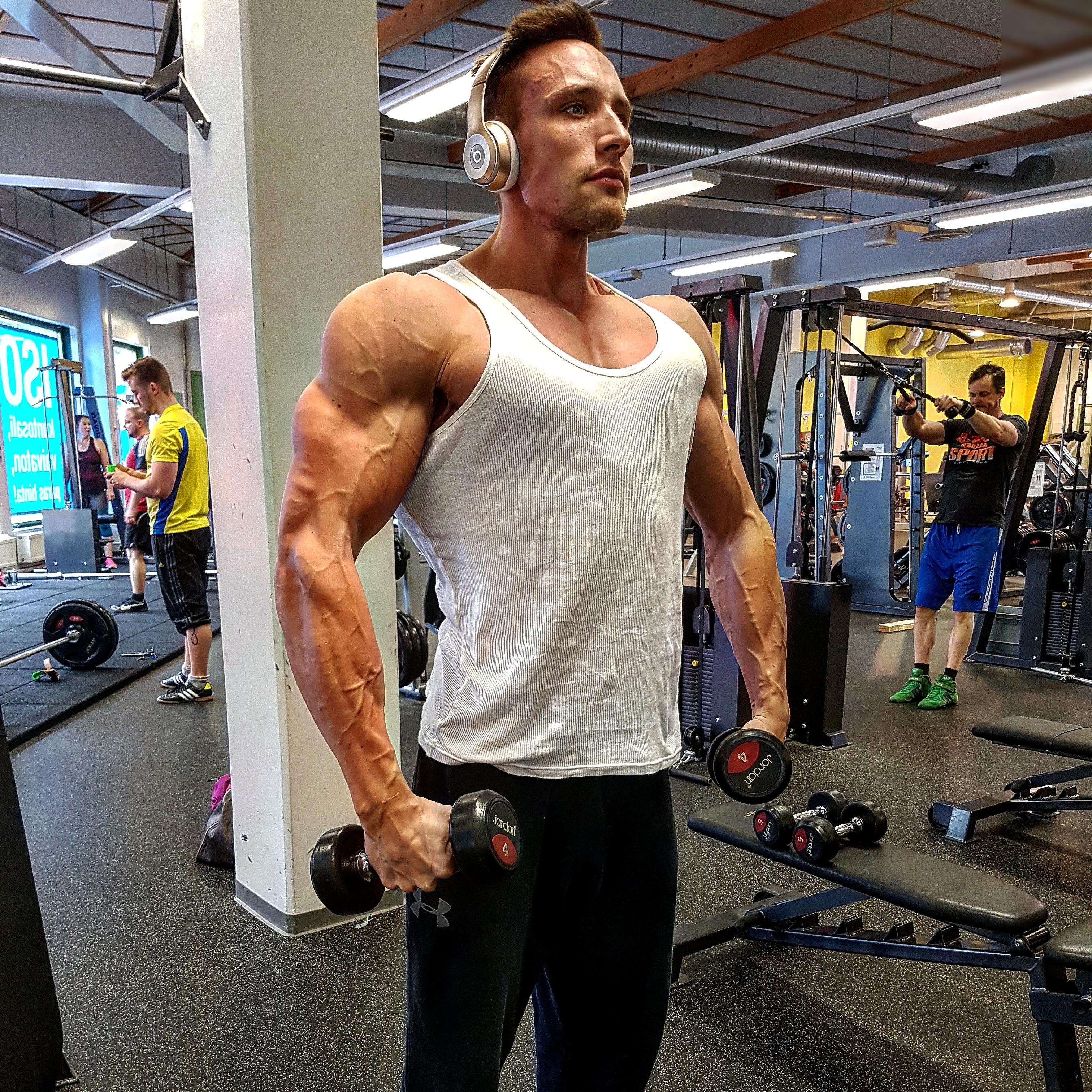 Isot lihakset pieni Dick
