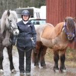 Juniorit Nelli ja Pinja veivät islanninhevosten talven mestaruudet