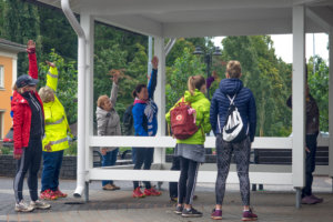 Virva Läärä veti alkulämmittelyn ennen harjuun lähtöä. Kuva: Hannu Söderholm.