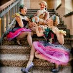 Finnish Blonde Burlesque Troupe. Kuva: Teemu Laukkarinen