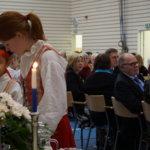 Pentosali oli Suomi 100 -itsenäisyysjuhlassa ääriään myöten täynnä. Koko juhlaväelle tarjottiin ennen juhlan ohjelmallista osuutta keittolounas sekä kakkukahvit.