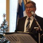 – Into järjestää tätä juhlaa on ollut poikkeuksellisen suurta. Kyläläiset olivat isolla joukolla tekemässä myös seppeleitä, jotka tänään laskettiin Kuhmalahden jokaiselle 85 sankarivainajalle, Esko Lahtinen mainitsi juhlan alussa.