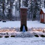 Kunniavartio Suomen ensimmäisellä sankarihaudalla