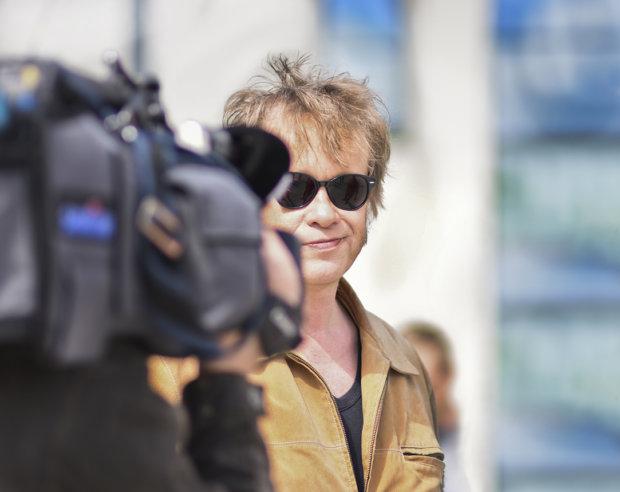Suomirockin kirkas tähti Martti Syrjä on vakuuttunut siitä, ettei kukaan pysty tekemään parempaa maakuntalaulua Pirkanmaalle kuin Kesäpäivä Kangasalla on.