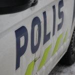 Poliisi löysi huumausainetta kortitta ajelleen nuoren miehen autosta