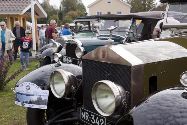 Autoletkan helmiin kuului 97-vuotias Rolls Royce.