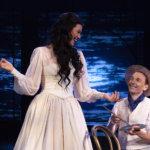 Tampereen Teatterin riipaiseva Anna Karenina pitää katsojan tiukasti otteessaan