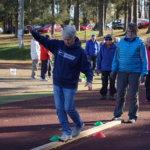 Ikäihmiset liikkuivat yhdessä Pälkäneellä – petankki, renkaat ja tasapainoaisti saivat tapahtumassa kyytiä