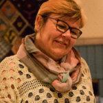 Terveydenhoitaja-yrittäjä Kirsi Urkko kertoi osallistujille säännöllisen ruokailun merkityksestä hyvinvoinnille.