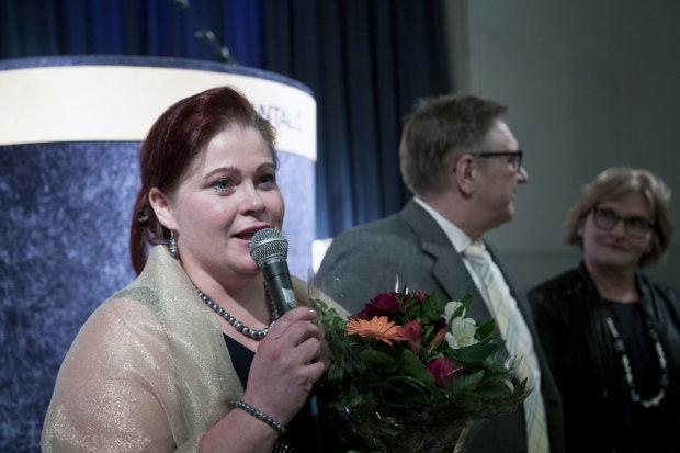 Marissa Henttinen palkittiin Vuoden Yrittäjänä Luopioisissa.