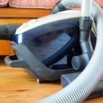 Pitääkö kotisiivousta ennen siivota itse?