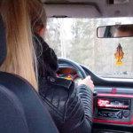 Mopoauton ratin takaa – miltä tuntuisi, jos joutuisit pelkäämään henkesi puolesta
