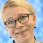 Uusi apteekkari Ulla-Maija Kimmel palasi kotimaisemiinsa Kangasalle, Suoraman apteekilla edessä muutto Prismalle