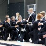 Pälkäneen lukion vanhojen tansseissa pojat revittelivät Stigin tahdissa