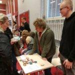 Anna Tapion koululla vietettiin koulun omia yritysmessuja