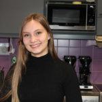 Pälkäneläinen Miisa Hiltunen on yksi Tauko-kahvilan yrittäjistä. Hän osallistui kevään ylioppilaskirjoituksiin, nyt jo kolmatta kertaa.