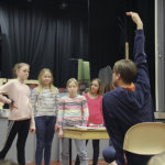 Musikaali tehdään oppilasvoimin – Suoraman koululla nähdään Ella ja Paterock